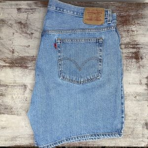 Vintage Levi's High Waisted Denim Jean shorts 20